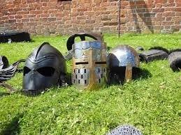 Cascos de templario medievales