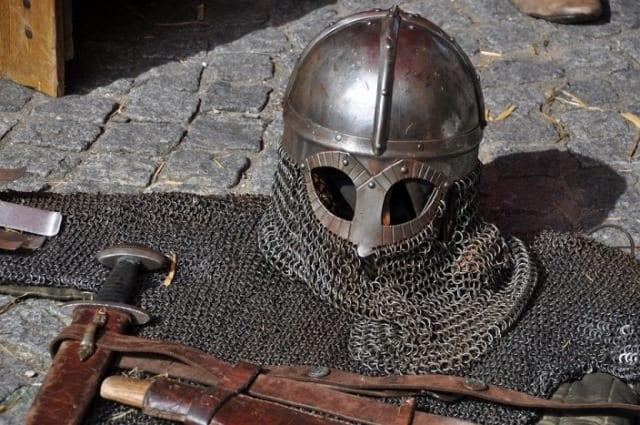 Así eran las armas y armaduras de templarios